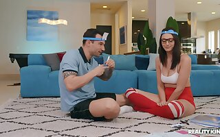 Nerdy young babe fucks on every side her personal trainer at home
