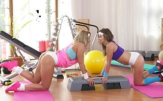 Beautiful girls authorize their inner passion out to immerse the gym