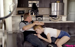 Quickie having it away in eradicate affect living-room with slender Hannah Hays