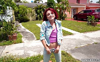 Quickie fucking between a large detect guy added to skinny redhead Lola Fae