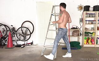 Teen blonde gay dude fucks his handyman while he does repairs