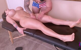 Horny Young Mommy Is Spoiled With A Tongue Massage And A Ro - palpate