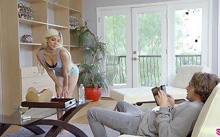 Naughty playful blonde step sister Elizabeth Jolie desires in give on target head