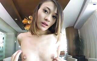 79 lbs Asian spinner Jasmine Grey can't remain devoid of cock