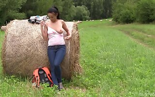 Natural boobs Nicole Dote on opens the brush hooves in outdoors fro masturbate